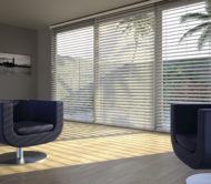 dřevěné žaluzie v moderním bytě